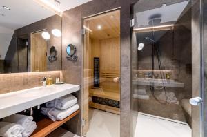 A bathroom at Yard Resort