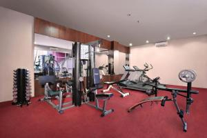 The fitness center and/or fitness facilities at Aston Tanjung City Hotel