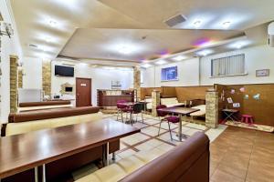 Лаундж или бар в Лоукост-отель Берисон Худякова