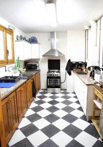 Una cocina o zona de cocina en Fonda Prat