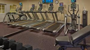 The fitness center and/or fitness facilities at TownePlace Suites by Marriott Orlando East/UCF Area