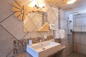 A bathroom at Penzion Berc