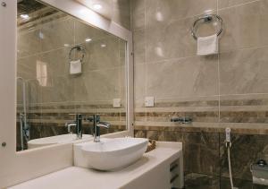 Um banheiro em فندق جمانه
