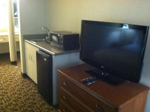 A television and/or entertainment center at Hawthorn Suites by Wyndham Napa Valley