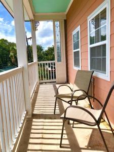 A balcony or terrace at Atlantis Inn - Tybee Island