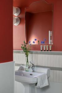 A bathroom at La Planque Hotel