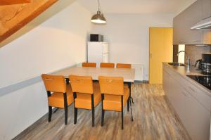 A kitchen or kitchenette at Holidayparc Hambachtal