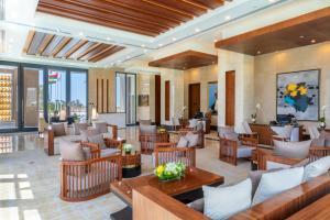 منطقة البار أو اللاونج في Millennium Resort Salalah