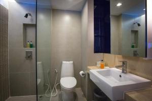 A bathroom at Trinity Silom Hotel
