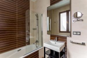 Ett badrum på Room Mate Leo