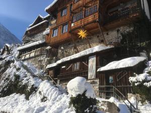 Gasthof Pension Grüner Anger during the winter
