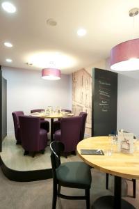 Restaurant ou autre lieu de restauration dans l'établissement ibis Styles Vannes Gare Centre