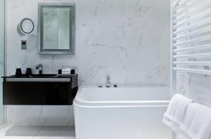 A bathroom at Hotel Colessio
