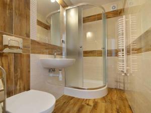 Łazienka w obiekcie Pokoje Gościnne Agusia