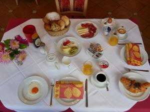 Frühstücksoptionen für Gäste der Unterkunft Appartmenthotel Residence Elvis