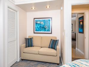 A seating area at Marriott's Cypress Harbour Villas