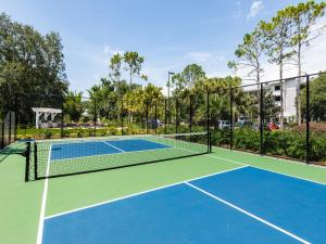Tennis and/or squash facilities at Marriott's Cypress Harbour Villas or nearby