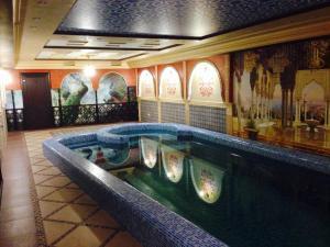 Бассейн в Budget Hotel Victoriya или поблизости