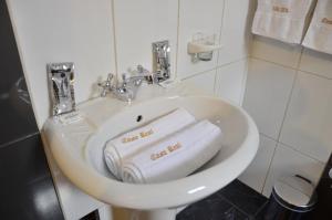 A bathroom at Casa Real Hoteles