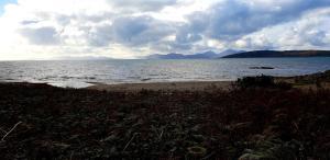 Een strand bij of vlak bij het pension