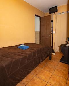 Cama o camas de una habitación en Melrost Airport Bed & Breakfast