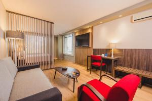 A seating area at Hotel Habitel Prime