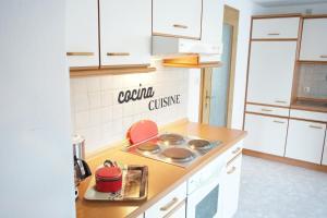 """Küche/Küchenzeile in der Unterkunft Ferienwohnung Köck """"Auszeit"""" in Hirschreuth Saldenburg"""