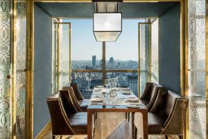 A restaurant or other place to eat at Alvear Icon Hotel - Leading Hotels of the World
