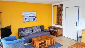 Ein Sitzbereich in der Unterkunft Prise1 Ferienwohnung Breege