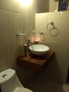 A bathroom at La Primavera Habitacion