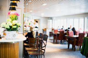En restaurang eller annat matställe på Trosa Stadshotell & Spa
