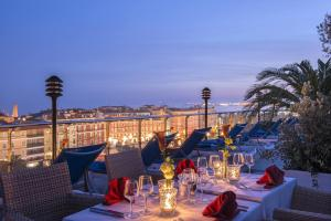 A restaurant or other place to eat at Hotel Aston La Scala