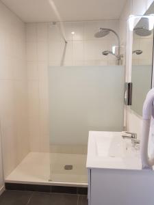 A bathroom at Domaine de Joinville
