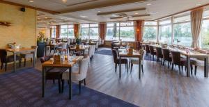 Een restaurant of ander eetgelegenheid bij Hotel Princenhof