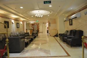 O saguão ou recepção de Shomookh Hotel