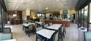 A restaurant or other place to eat at Best Western Plus South Coast Inn