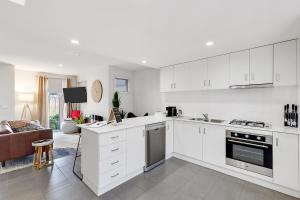 A kitchen or kitchenette at Tangles