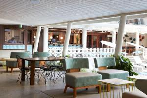 The lounge or bar area at The Surfjack Hotel & Swim Club