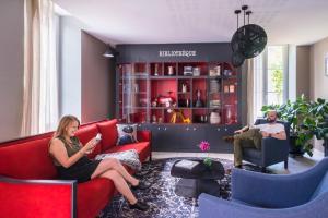 The lounge or bar area at Aparthotel Adagio Access Nantes Viarme