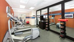 The fitness center and/or fitness facilities at Hampton Inn & Suites North Fort Worth-Alliance Airport