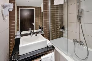 Salle de bains dans l'établissement Adagio Grenoble Centre
