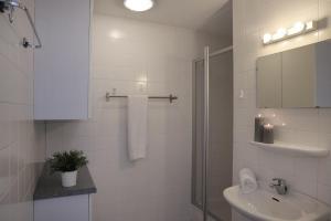 Ein Badezimmer in der Unterkunft Appartementen Amelander Paradijs
