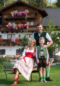 Rodina v ubytování Hotel Schröckerhof