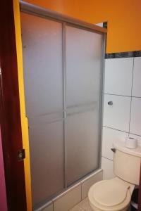 Un baño de Hostal GQ