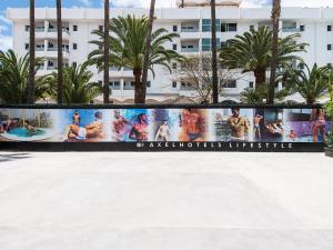 The swimming pool at or close to AxelBeach Maspalomas - Apartments and Lounge Club - Adults Only