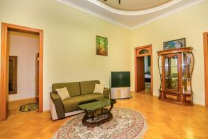 Uma área de estar em Квартира у Моря 1
