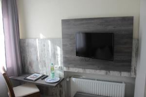 A television and/or entertainment center at Meyerhof Heiligenrode