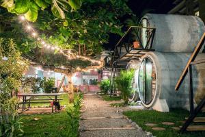 A garden outside Selina Jaco