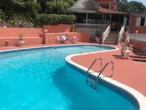 Бассейн в Verney House Resort или поблизости