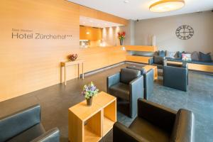 A restaurant or other place to eat at Best Western Plus Hotel Zürcherhof